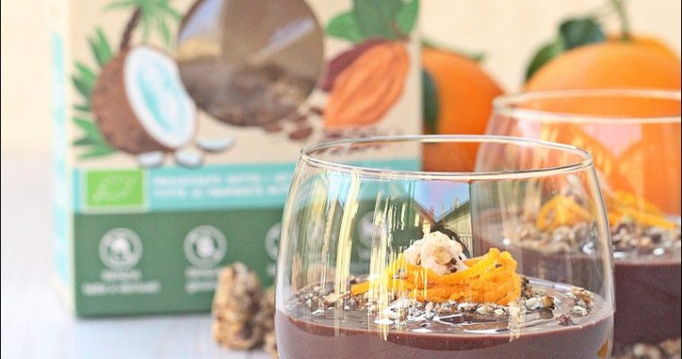 Mousse vegan al cioccolato e avocado