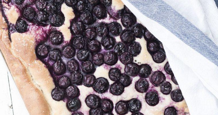Ciaccia all'uva: la focaccia toscana con l'uva.