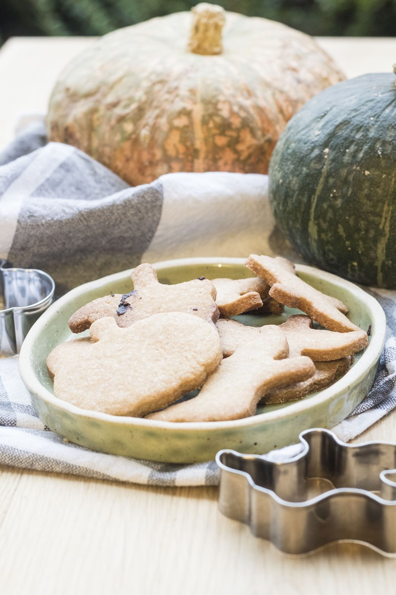 Montessori in cucina: biscotti di Halloween | The green pantry