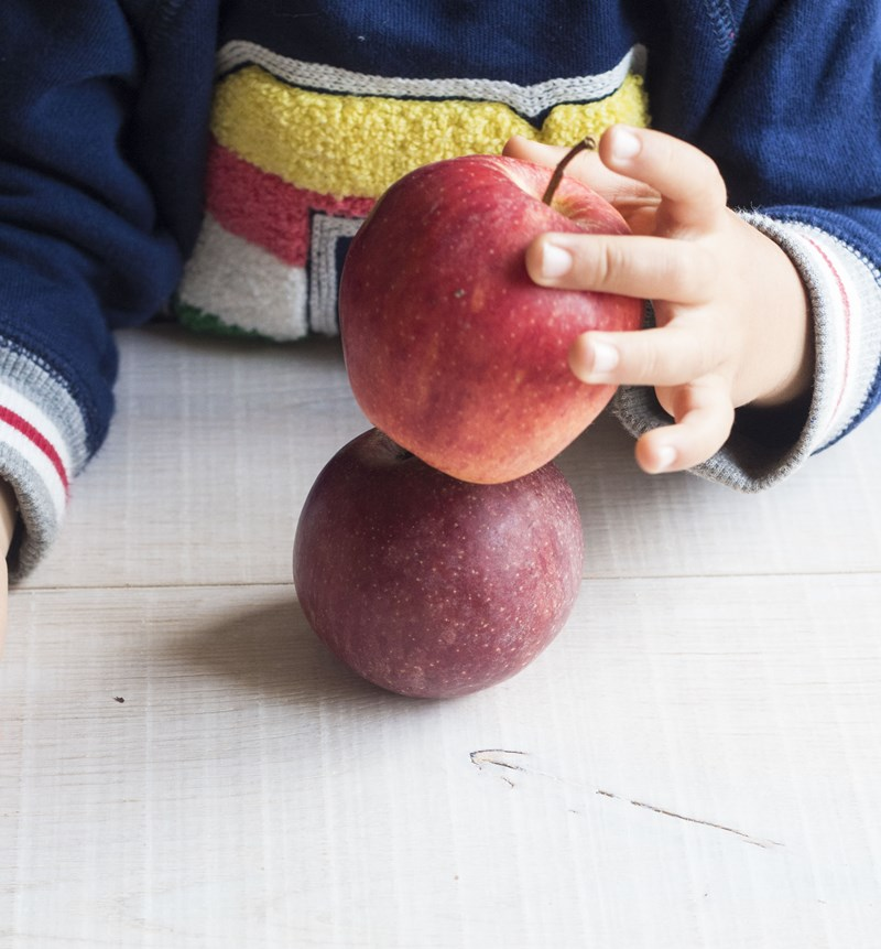 montessori in cucina: tortine di mela e ricotta