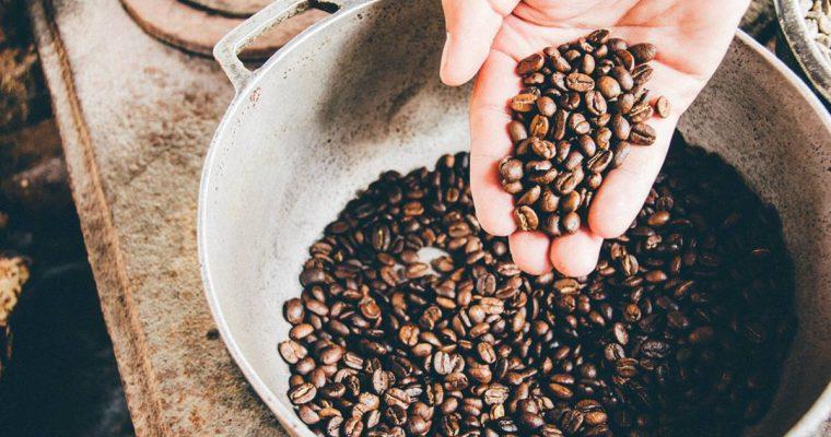 Tre Idee per Riutilizzare i Fondi di Caffè